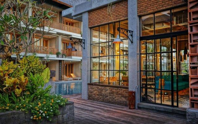 Отель THE HAVEN SUITES Bali Berawa вид на фасад