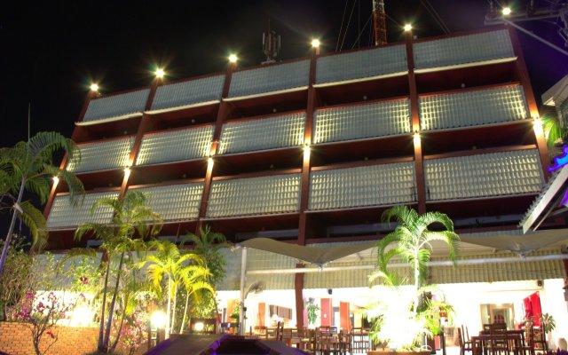 Отель Surin Sweet Пхукет вид на фасад