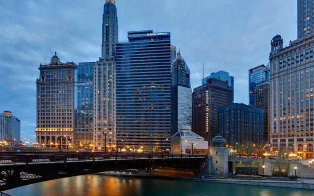 Отель Wyndham Grand Chicago Riverfront вид на фасад