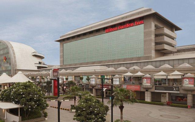 Отель Hilton Garden Inn New Delhi/Saket Индия, Нью-Дели - отзывы, цены и фото номеров - забронировать отель Hilton Garden Inn New Delhi/Saket онлайн вид на фасад
