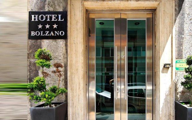 Отель Bolzano Италия, Милан - 7 отзывов об отеле, цены и фото номеров - забронировать отель Bolzano онлайн вид на фасад