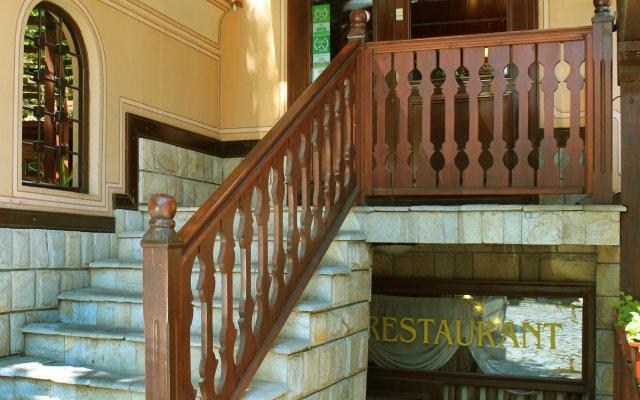 Семейный отель Ренесанс вид на фасад