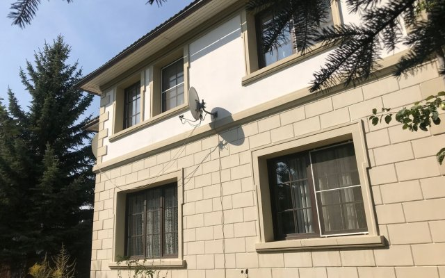 Polet Hostel вид на фасад