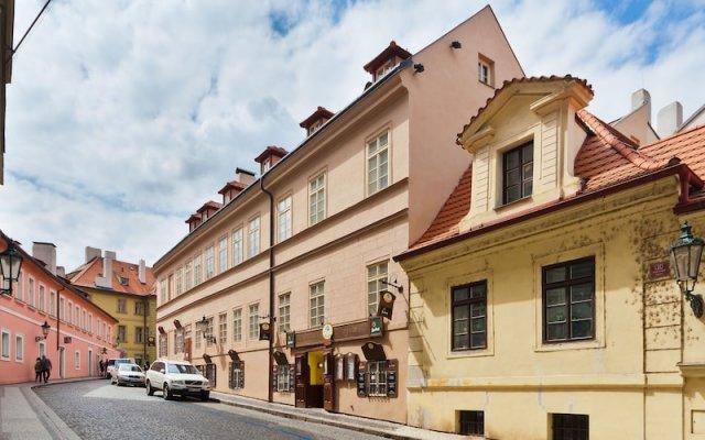 Отель Charles Bridge Apartments Чехия, Прага - отзывы, цены и фото номеров - забронировать отель Charles Bridge Apartments онлайн вид на фасад