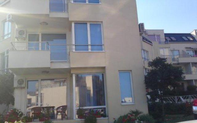 Апартаменты Sea View Apartments Свети Влас вид на фасад