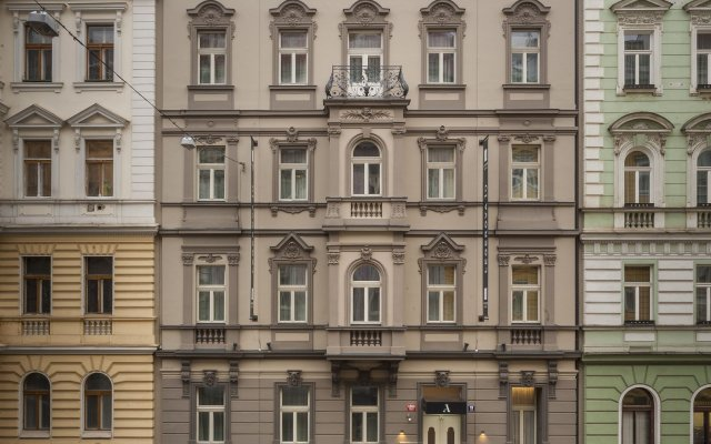 Отель Avenue Legerova 19 вид на фасад
