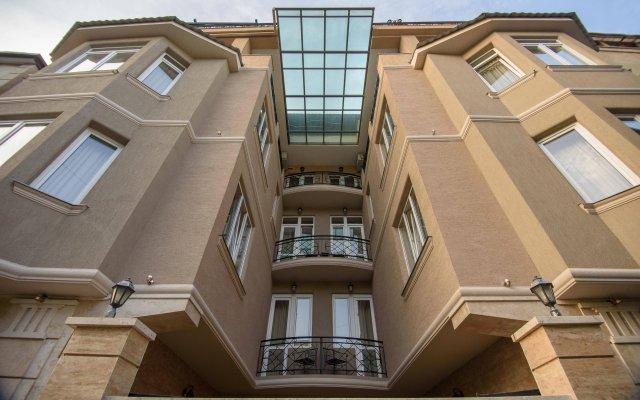 Отель KMM вид на фасад