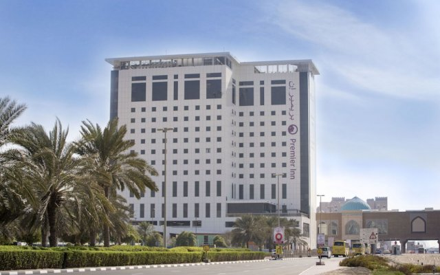 Отель Premier Inn Ibn Battuta Mall вид на фасад