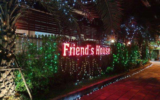 Отель Friend's House Resort вид на фасад