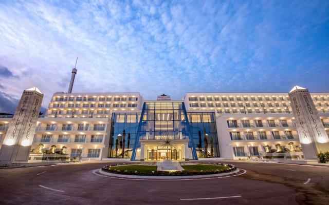 Gran Luxor All Suites Hotel