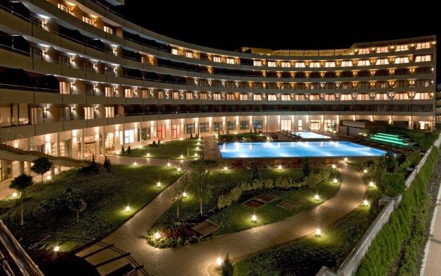 Отель Grand Hotel Pomorie Болгария, Поморие - 2 отзыва об отеле, цены и фото номеров - забронировать отель Grand Hotel Pomorie онлайн вид на фасад