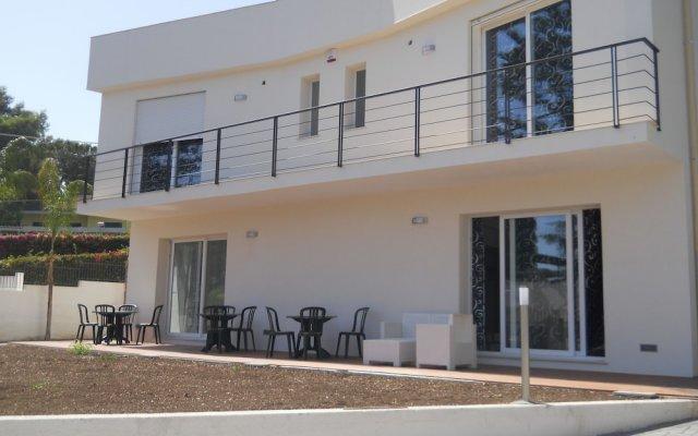 Отель White Beach BeB Фонтане-Бьянке вид на фасад