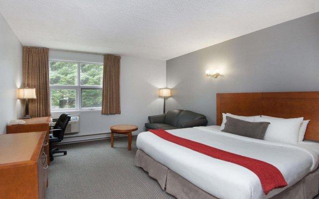 Отель Howard Johnson by Wyndham Quebec City Канада, Квебек - отзывы, цены и фото номеров - забронировать отель Howard Johnson by Wyndham Quebec City онлайн комната для гостей