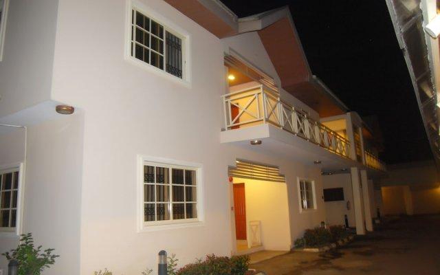 Grand Inn & Suites