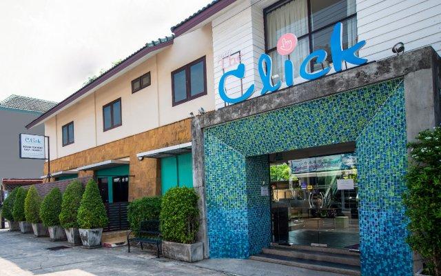 Отель OYO 345 The Click Guesthouse at Chalong Таиланд, Бухта Чалонг - отзывы, цены и фото номеров - забронировать отель OYO 345 The Click Guesthouse at Chalong онлайн вид на фасад