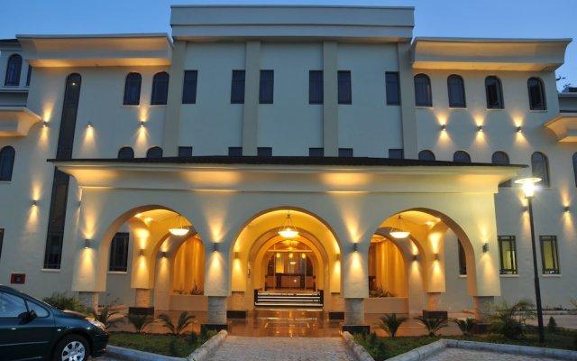 Отель Radisson Hotel, Lagos Ikeja Нигерия, Лагос - отзывы, цены и фото номеров - забронировать отель Radisson Hotel, Lagos Ikeja онлайн вид на фасад