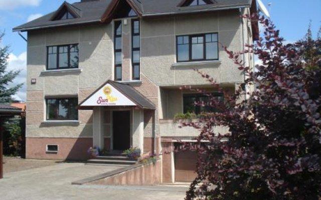 Отель SunKiss Литва, Клайпеда - отзывы, цены и фото номеров - забронировать отель SunKiss онлайн вид на фасад