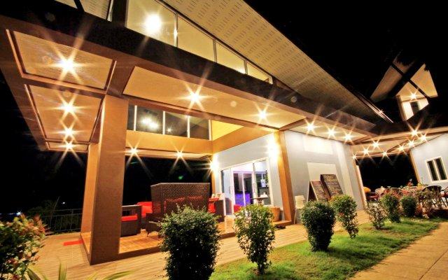 Отель Phutaralanta Resort Ланта вид на фасад