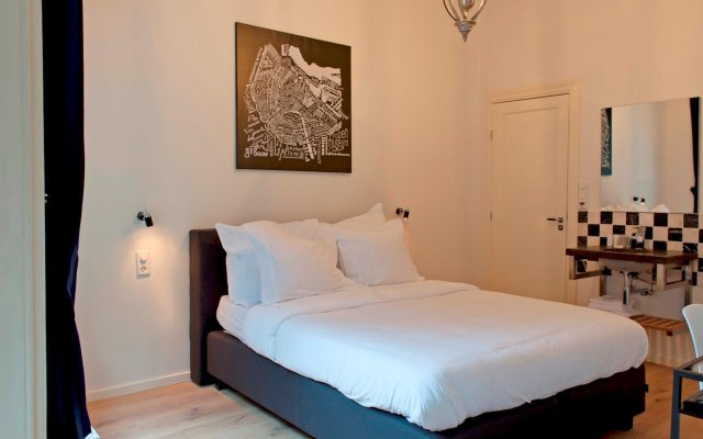 Hotel Toon комната для гостей