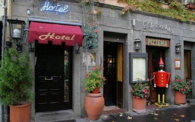 Отель Pinocchio Италия, Фраскати - отзывы, цены и фото номеров - забронировать отель Pinocchio онлайн вид на фасад
