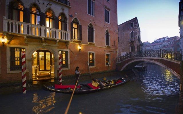 Отель Ai Reali di Venezia Италия, Венеция - 1 отзыв об отеле, цены и фото номеров - забронировать отель Ai Reali di Venezia онлайн вид на фасад