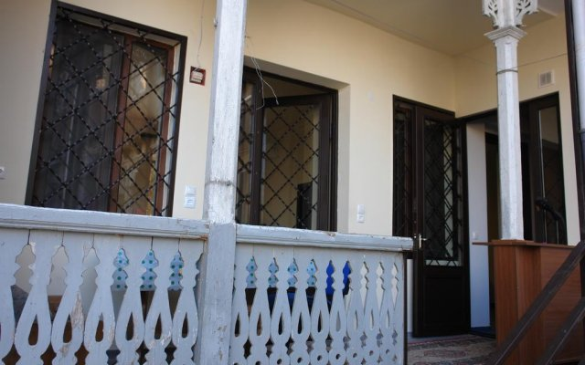 Отель Cozy Apartment in Old Tbilisi Грузия, Тбилиси - отзывы, цены и фото номеров - забронировать отель Cozy Apartment in Old Tbilisi онлайн балкон