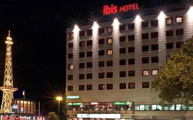 Отель Ibis Berlin Messe Германия, Берлин - отзывы, цены и фото номеров - забронировать отель Ibis Berlin Messe онлайн вид на фасад