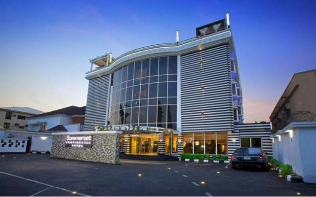 Summerset Continental Hotel Asokoro вид на фасад