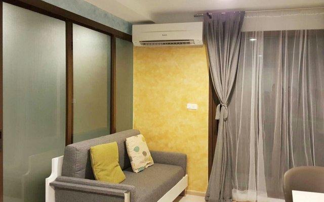 Отель ZCape3 By Favstay Пхукет комната для гостей