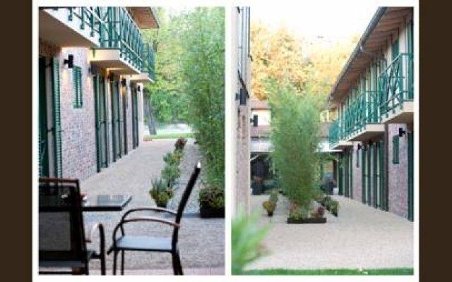 Duna Garden Hotel вид на фасад
