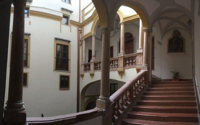 Отель Foresteria dell'Alloro Италия, Палермо - отзывы, цены и фото номеров - забронировать отель Foresteria dell'Alloro онлайн вид на фасад