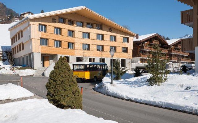 Отель Youth Hostel Gstaad Saanenland Швейцария, Гштад - отзывы, цены и фото номеров - забронировать отель Youth Hostel Gstaad Saanenland онлайн вид на фасад