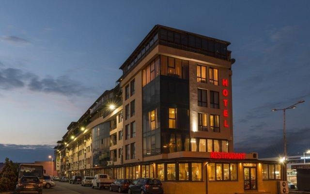 Отель Avenue Болгария, Бургас - отзывы, цены и фото номеров - забронировать отель Avenue онлайн вид на фасад