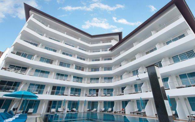 Отель Pinnacle Grand Jomtien Resort вид на фасад