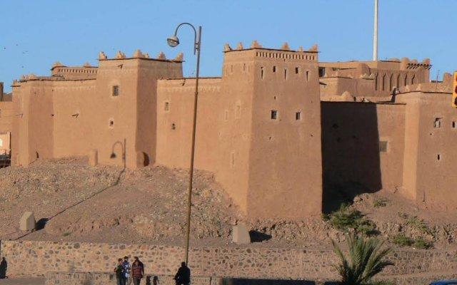 Отель AppartHotel Khris Palace Марокко, Уарзазат - отзывы, цены и фото номеров - забронировать отель AppartHotel Khris Palace онлайн вид на фасад