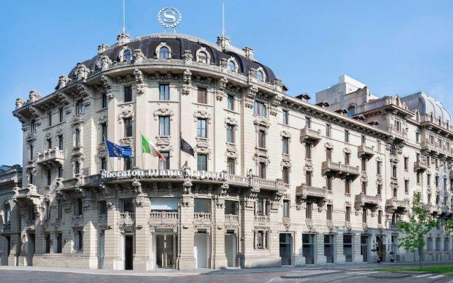 Отель Sheraton Diana Majestic вид на фасад