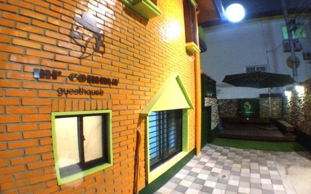 Отель Mr.Comma Guesthouse - Hostel Южная Корея, Сеул - отзывы, цены и фото номеров - забронировать отель Mr.Comma Guesthouse - Hostel онлайн вид на фасад