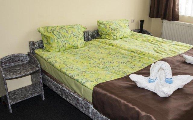 Family Hotel Tsareva Livada Боженци комната для гостей