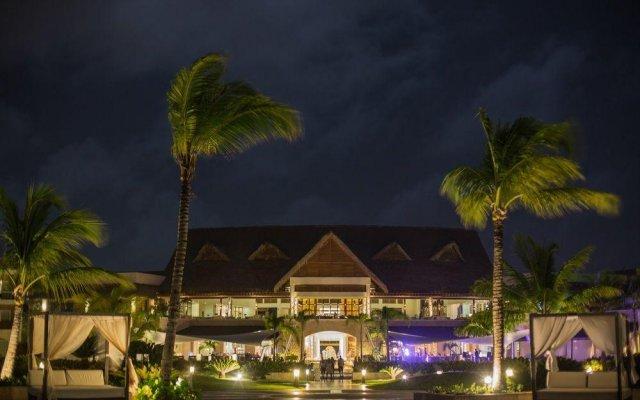 Отель Royalton Punta Cana - All Inclusive Доминикана, Пунта Кана - 1 отзыв об отеле, цены и фото номеров - забронировать отель Royalton Punta Cana - All Inclusive онлайн вид на фасад