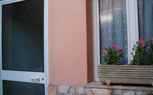 Отель Nuova Fiera B&B Италия, Рим - отзывы, цены и фото номеров - забронировать отель Nuova Fiera B&B онлайн вид на фасад