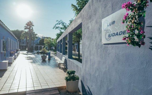 Отель Club Ciudadela Aparthotel вид на фасад