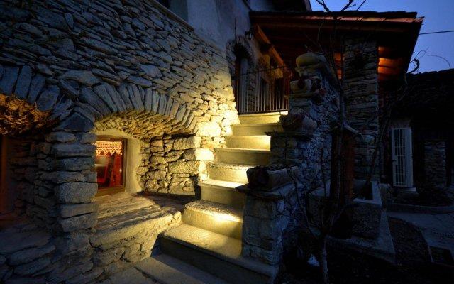 Отель Maison Du-Noyer Италия, Аоста - отзывы, цены и фото номеров - забронировать отель Maison Du-Noyer онлайн вид на фасад