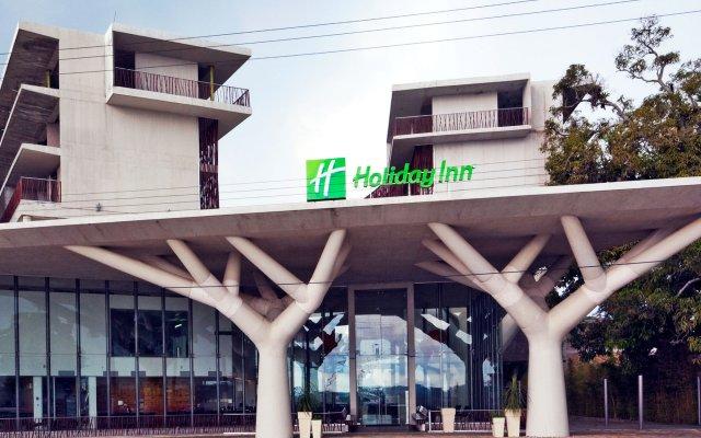 Отель Holiday Inn Tuxpan вид на фасад