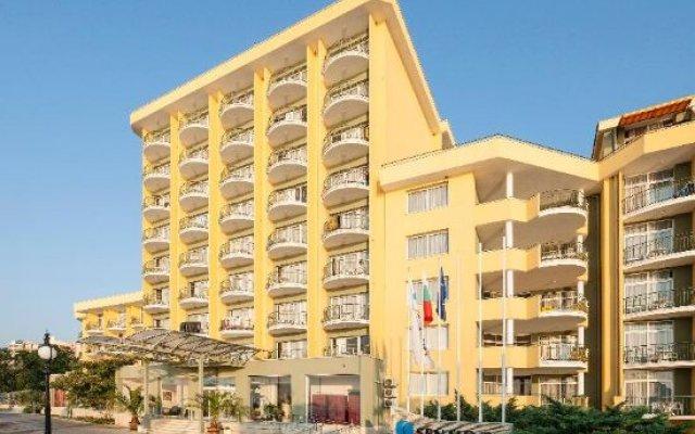 Grifid Encanto Beach Hotel вид на фасад