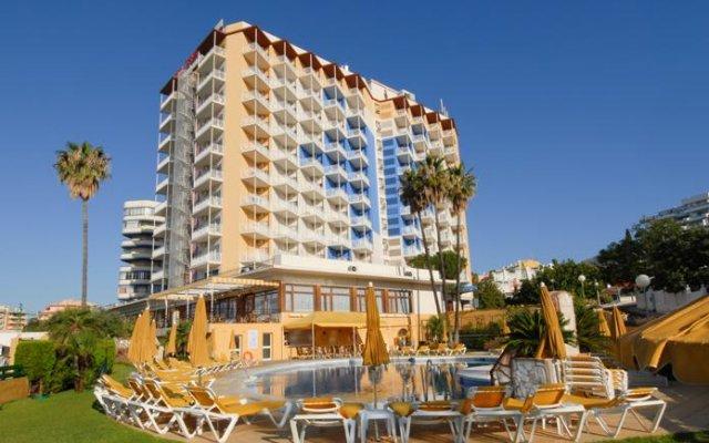 Отель Monarque Torreblanca Испания, Фуэнхирола - 1 отзыв об отеле, цены и фото номеров - забронировать отель Monarque Torreblanca онлайн вид на фасад