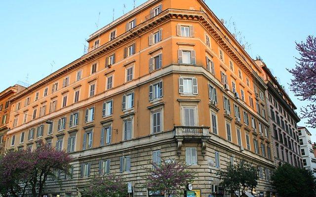 Отель Terrazza Cola di Rienzo вид на фасад
