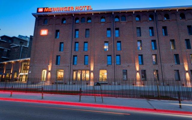 MEININGER Hotel Brussel City Center вид на фасад
