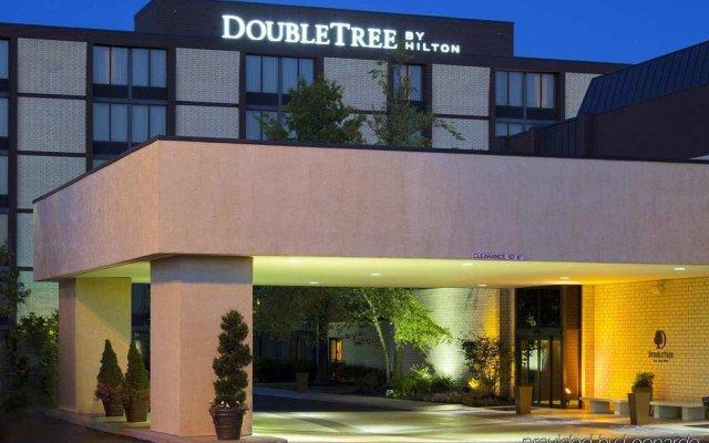 Отель DoubleTree by Hilton Columbus/Worthington США, Колумбус - отзывы, цены и фото номеров - забронировать отель DoubleTree by Hilton Columbus/Worthington онлайн вид на фасад
