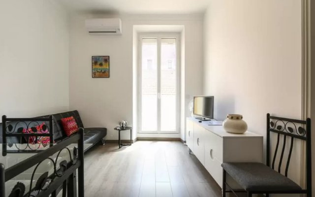 Sunny and Modern 1 Bedroom with Balcony2 2
