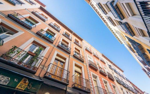 Отель Apartamento Malasaña-Gran Vía вид на фасад